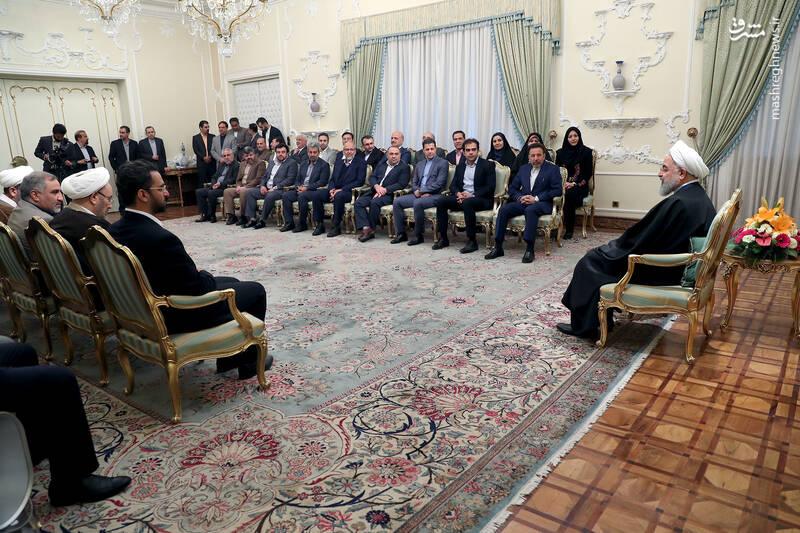 عکس/ دیدار نوروزی جمعی از وزرا با روحانی - 12