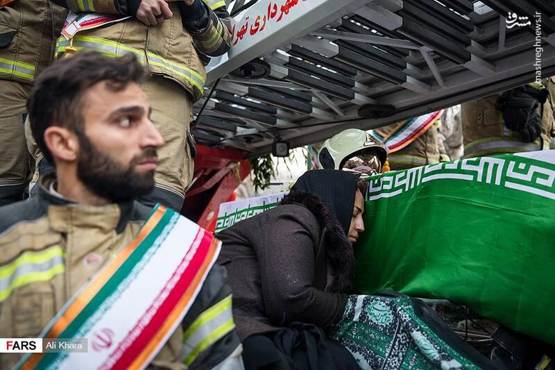 عکس/ تشییع پیکر آتشنشان شهید - 12