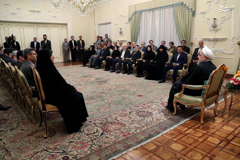 عکس/ دیدار نوروزی جمعی از وزرا با روحانی - 14