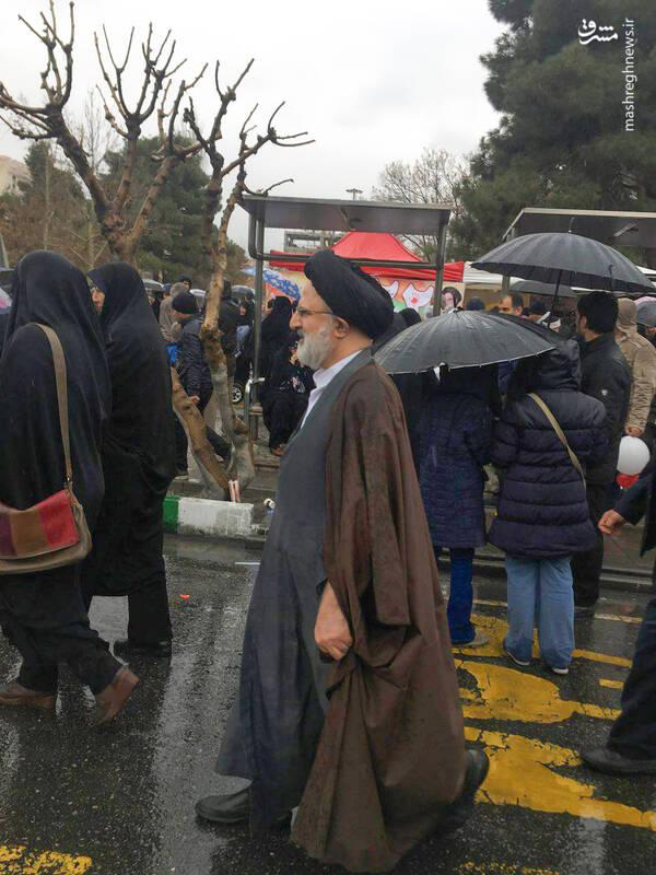 عکس/ حضور حجتالاسلام حجازی در راهپیمایی ۲۲بهمن - 1
