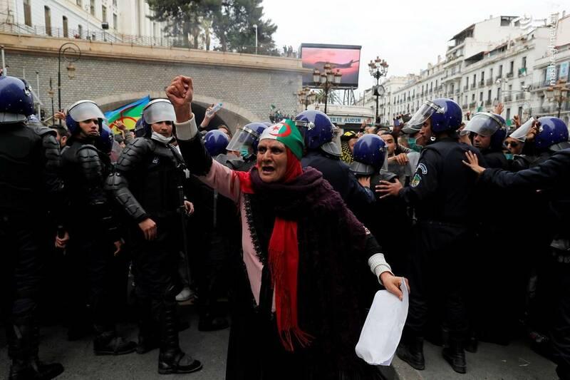 عکس/ ادامه ناآرامیها در خیابانهای الجزایر - 11