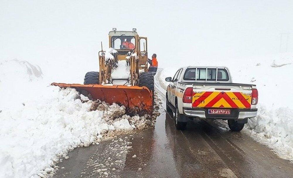 بارش ۶۰ سانتی متری برف در ارتفاعات گلستان قطار گرگان- تهران را متوقف کرد - 9