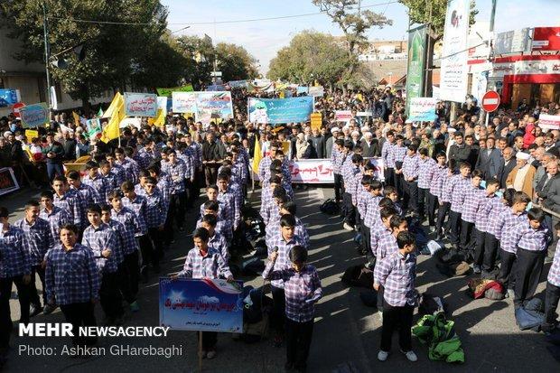 راهپیمایی استکبار ستیزی ۱۳ آبان در استانها - 12
