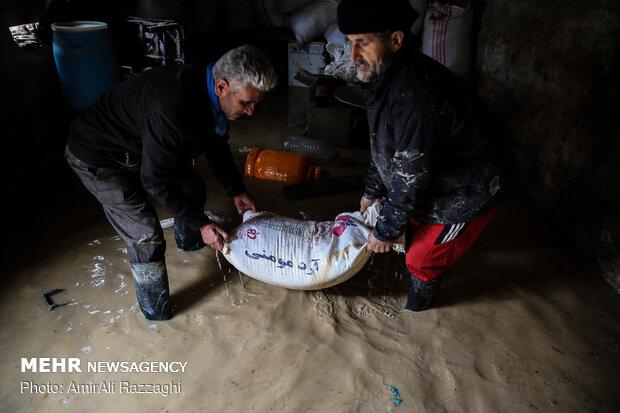 اولین روز نوروز سیل زدگان مازندران - 24