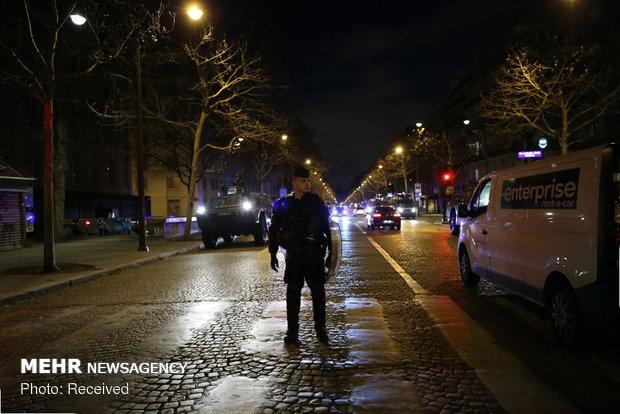 حکومت نظامی در پاریس - 24