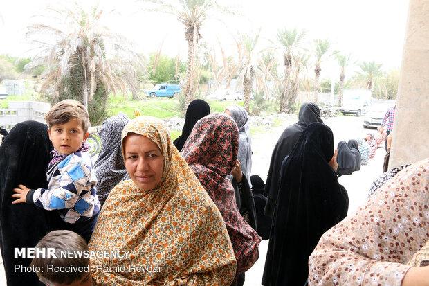 ارائه خدمات درمانی رایگان در مناطق محروم منطقه هشت بندی هرمزگان - 12