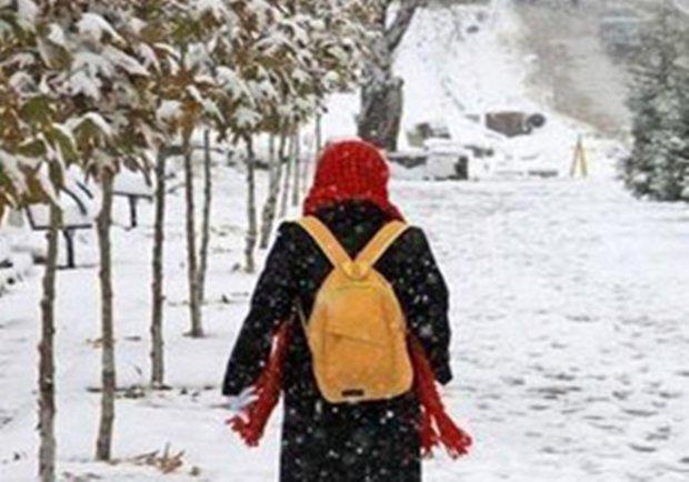 مدارس بلده مازندران روز دوشنبه تعطیل است