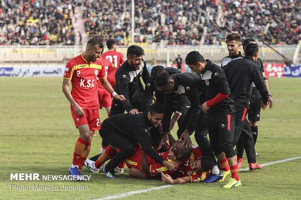 دیدار تیمهای فوتبال فولاد خوزستان و پرسپولیس تهران - 75