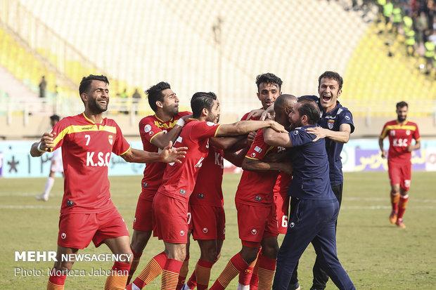 دیدار تیمهای فوتبال فولاد خوزستان و پرسپولیس تهران - 77