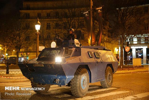حکومت نظامی در پاریس - 6