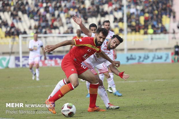 دیدار تیمهای فوتبال فولاد خوزستان و پرسپولیس تهران - 36