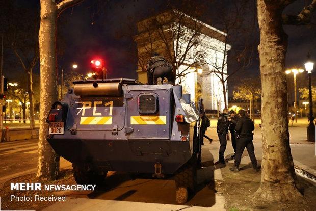 حکومت نظامی در پاریس - 14