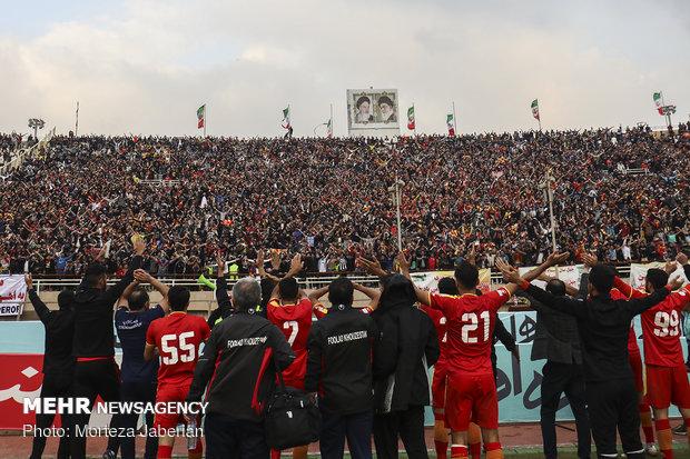 دیدار تیمهای فوتبال فولاد خوزستان و پرسپولیس تهران - 111