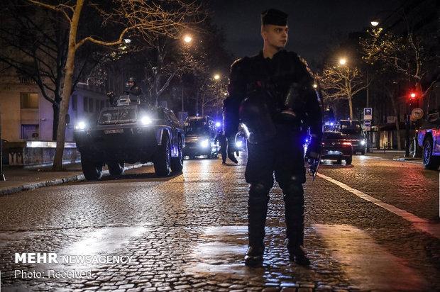 حکومت نظامی در پاریس - 8