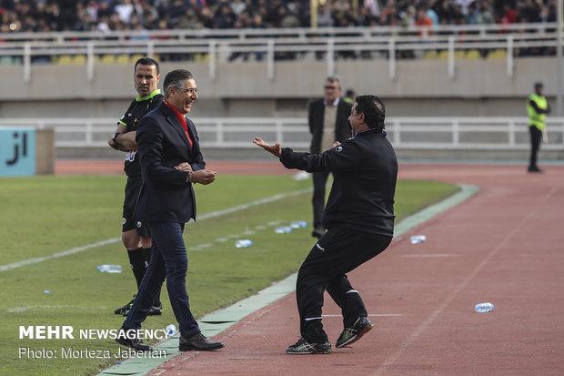 دیدار تیمهای فوتبال فولاد خوزستان و پرسپولیس تهران - 56