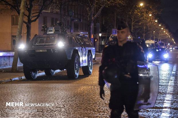 حکومت نظامی در پاریس - 18