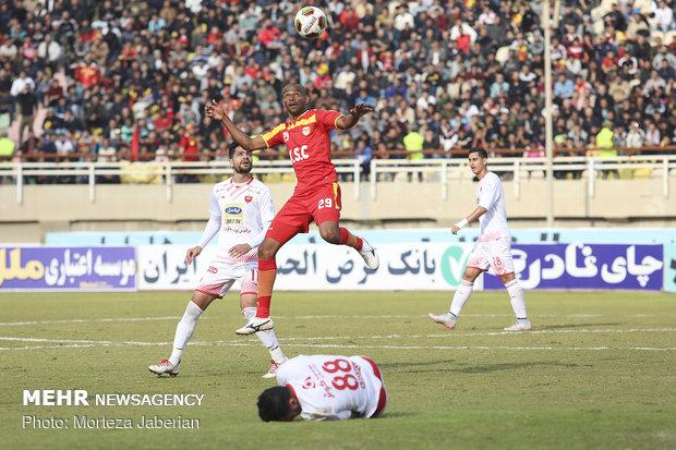 دیدار تیمهای فوتبال فولاد خوزستان و پرسپولیس تهران - 30
