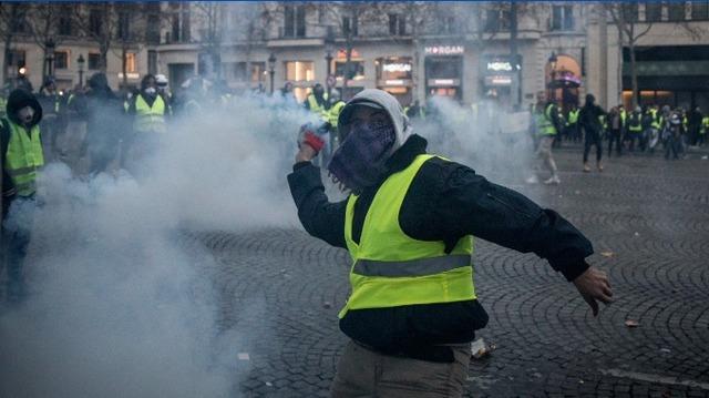 تظاهرات جلیقه زردها به دیگر کشورهای اروپایی کشیده شد/۱۳۸۵ نفر بازداشت و ۱۳۵ نفر مجروح شدند+تصاویر - 1