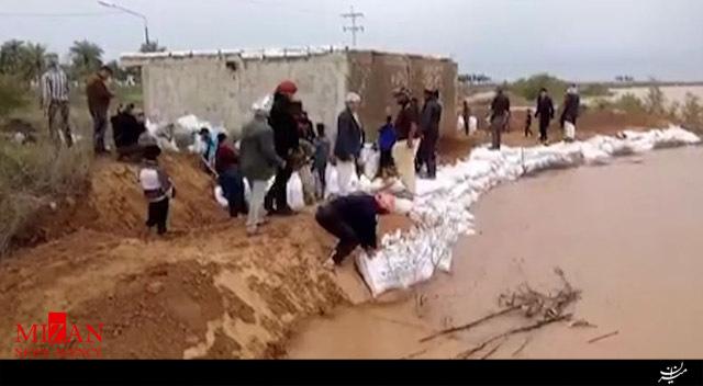 تلاش مردم برای جلوگیری از ورود سیلاب به روستاهای سویچتی - 3