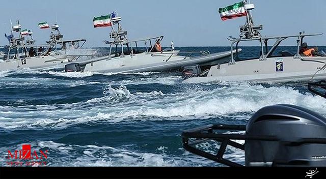 لحظه نزدیک شدن قایقهای تندرو ایران به ناو هواپیمابر آمریکایی + فیلم - 3