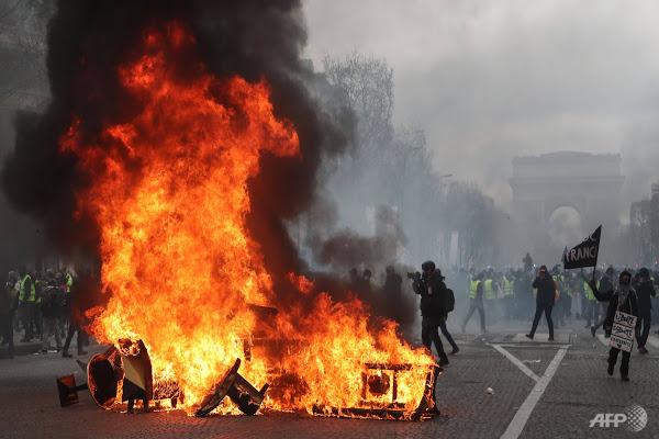 تظاهرات معترضان فرانسوی به نظام سرمایه داری وارد چهارمین ماه خود شد؛ مکرون اتاق بحران تشکیل داد - 19