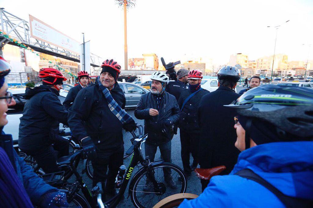۷۰ درصد از آلودگی هوای تهران ناشی از وسایل نقلیه شخصی است/ضرورت تولید فراگیر دوچرخههای باطری دار در کشور - 0