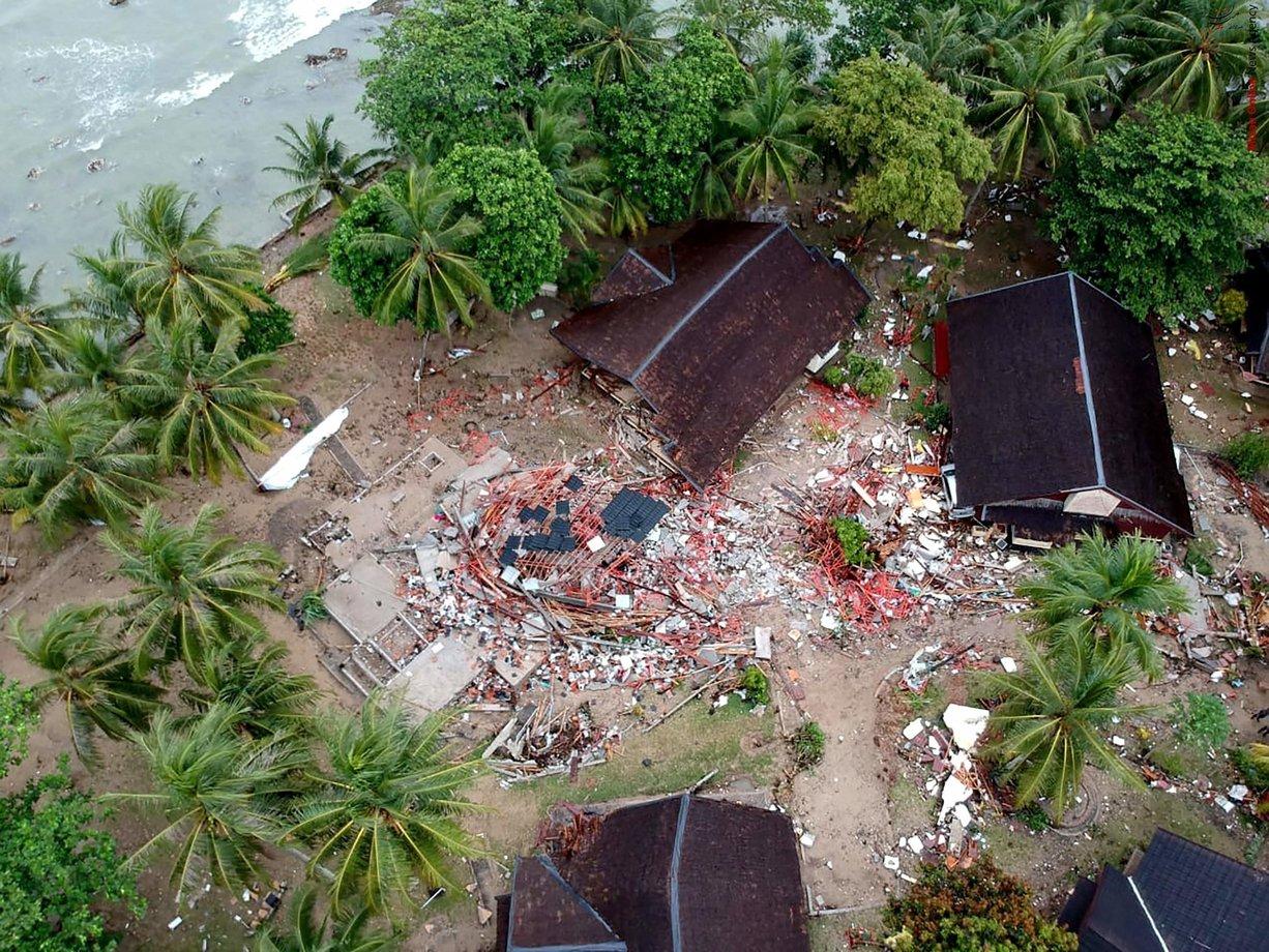 تصاویری از سونامی مرگبار در اندونزی - 22
