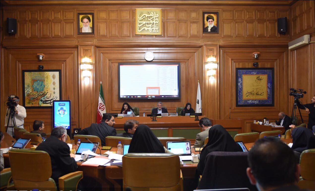 اختلاف نظر میان هاشمی و سالاری در جلسه امروز شورا - 0
