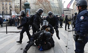 بیش از ۴ هزار جلیقه زرد در فرانسه بازداشت شدهاند - 0