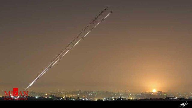 شلیک بیش از ۲۰۰ موشک از نوار غزه به شهرکهای صهیونیستنشین/ زخمی شدن چندین اسرائیلی - 0