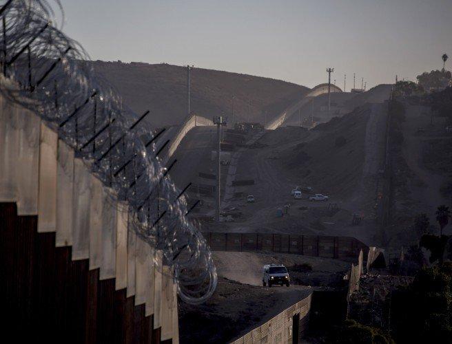 تعطیلی دولت فدرال و دیوارکشی در مرزها ۲ چالش پیش روی رئیس جمهور آمریکا - 13