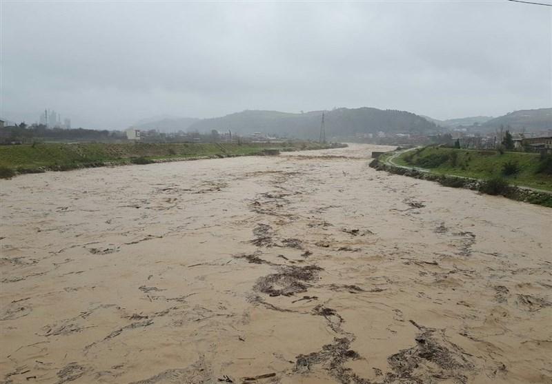 بزرگترین پارک تفریحی شمال کشور زیرآب رفت؛ پل تجن ساری مسدود شد - 8