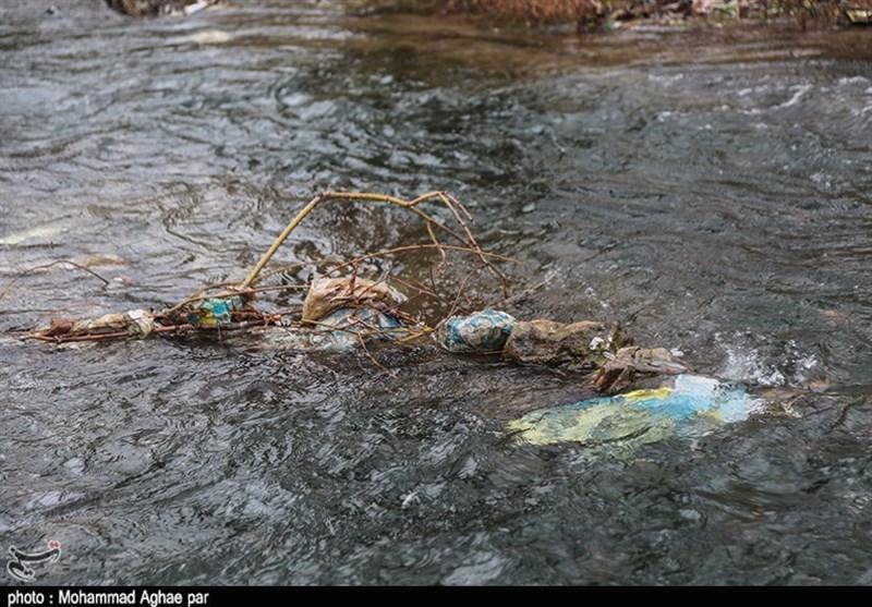 زبالهریزی در رودخانههای منتهی به دریاچه بحران زده ارومیه ادامه دارد - 9