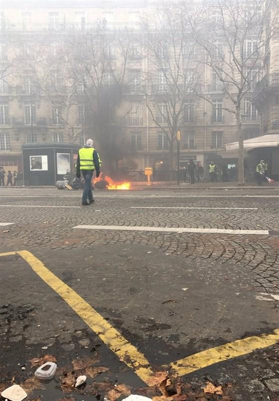حمله به منزل وزیر محیط زیست فرانسه در تظاهرات - 9