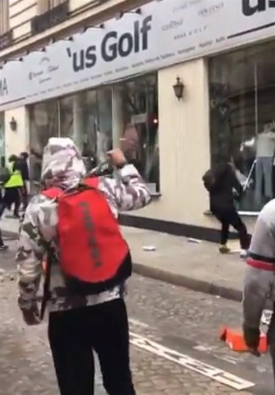 حمله به منزل وزیر محیط زیست فرانسه در تظاهرات - 5