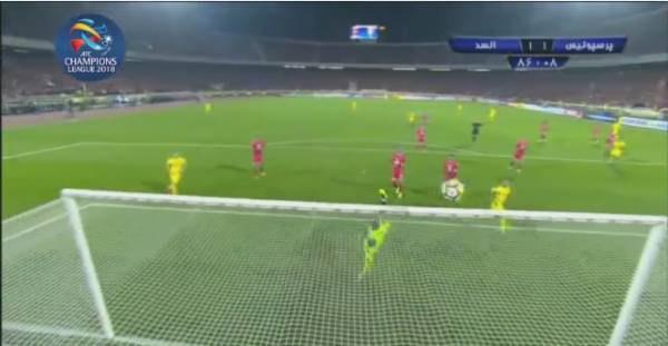 ۱۰ واکنش حیرت انگیز دروازه بانهای فوتبال ایران - 19
