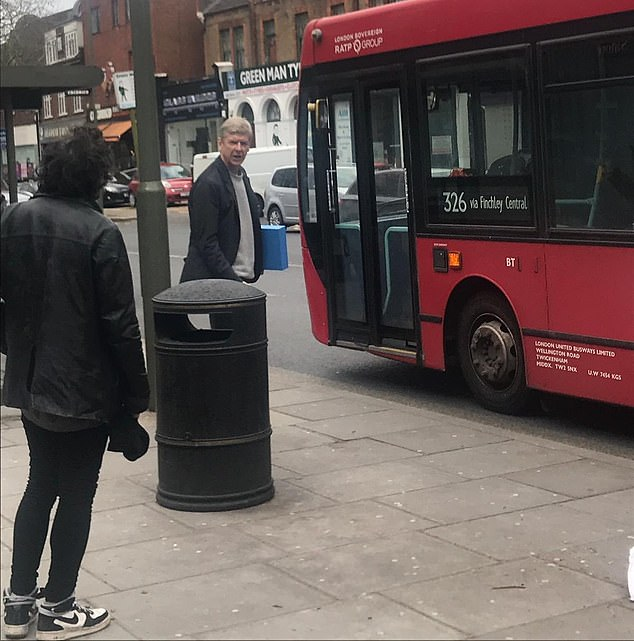 شکار ونگر در ایستگاه اتوبوس و آغاز گمانهزنیها - 2